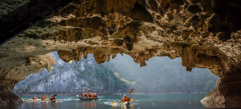 Grotte in kayak